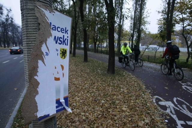 Billboardy i plakaty pochłaniają większość budżetu lokalnych komitetów wyborczych. Komitety muszą też opłacić sprzątanie plakatów
