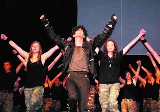 Grzegorz Siata wcielił się w rolę Michaela Jacksona