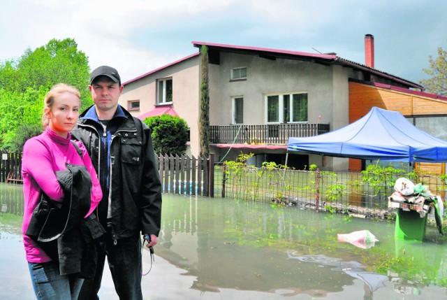 Młode małżeństwo Lubeckich nie zdążyło zamieszkać w świeżo wyremontowanym domu