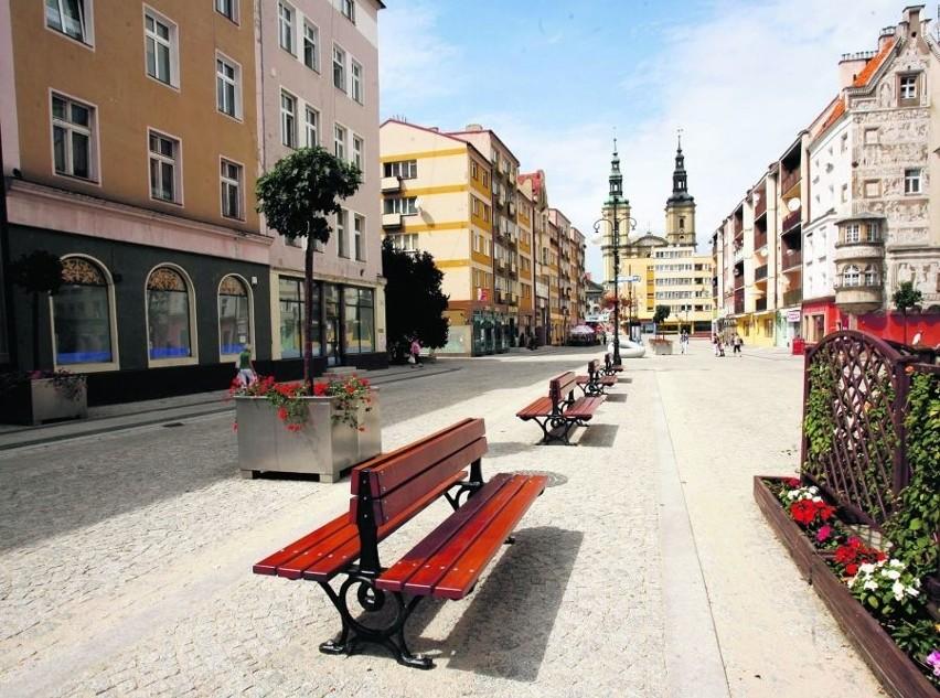 Sztandarową inwestycją prezydenta Legnicy była przebudowa Rynku. To zadanie wykonano dobrze i na czas