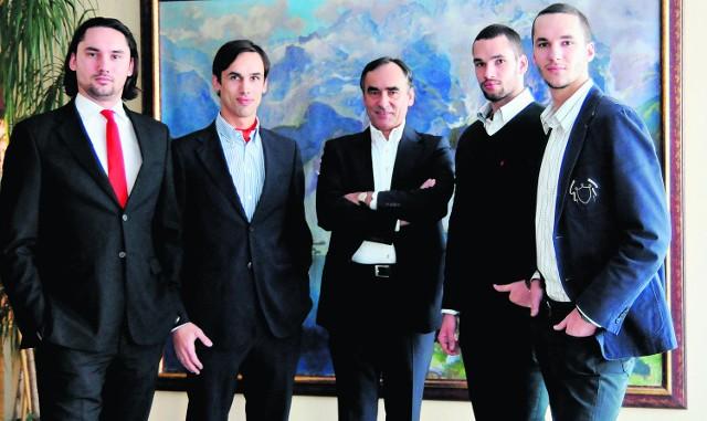 Adam Bachleda Curuś i jego czterej synowie (od lewej): Adam junior,   Andrzej, Albert, Antoni