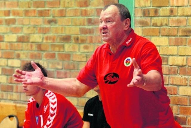 72-letni trener Miedzi Legnica, Edward Strząbała, jest legendą polskiej piłki ręcznej