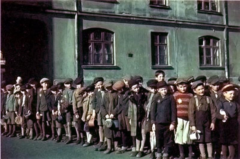 Dzieci zamknięte w getcie