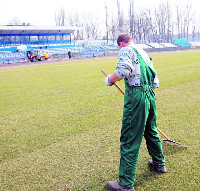 Wczoraj trwały jeszcze kosmetyczne prace na stadionie