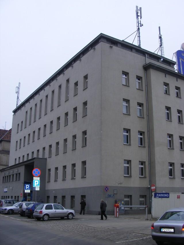 W budynku przy ul.Słowackiego, gdzie od lat mieści się  wielospecjalistyczna przychodnia  znajduje się teraz również Powiatowe Centrum Pomocy Rodzinie