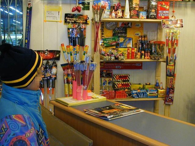 W sklepach z fajerwerkami zaczął się przedświąteczny ruch
