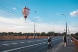 Balonowy Cud nad Wisłą. Niebo nad Warszawą pokryło się kolorowymi balonami, magiczne widoki