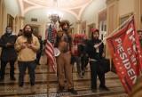 USA: Szturm zwolenników Trumpa na Kapitol [ZDJĘCIA] Trzeba było ewakuować wiceprezydenta Pence'a