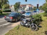 Wypadek na ul. Piastowskiej w Radomsku. Motorower uderzył w bmw. Sprawca jechał mimo sądowego zakazu