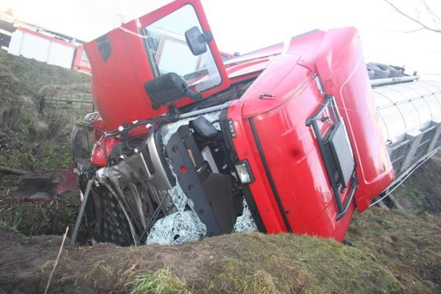 Wypadek ciężarówki z cysterną