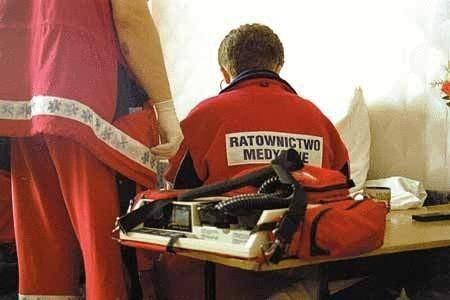 Pracownicy pogotowia twierdzą, że z przyzwyczajenia wzywani są do wszelkich nieszczęśliwych zdarzeń.