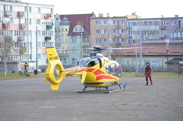 Śmigłowiec LPR wylądował na boisku przy Szkole Podstawowej nr 18 w Grudziądzu