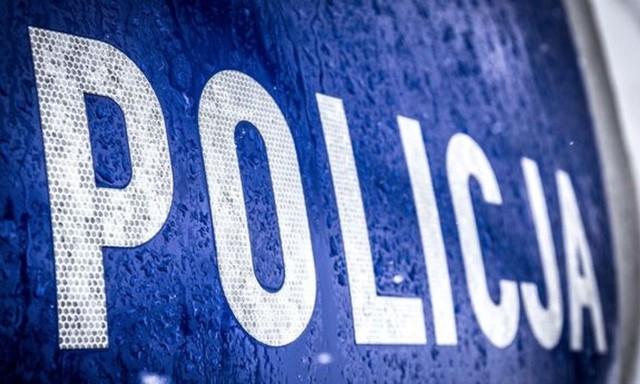 """Chciał wyłudzić pieniądze metodą """"na policjanta"""". Przeszkodził czujny taksówkarz!"""