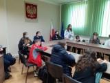 Program Erasmus+. Uczniowie z Hiszpanii z wizytą w Urzędzie Gminy Stargard