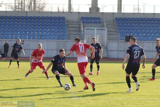 Lider Włocławek (na czerwono) - Zawisza Bydgoszcz (0:5)