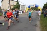 Ósma edycja Biegu Wyrskiego. Uczestnicy mieli do pokonania 10 km. Zobaczcie ZDJĘCIA