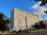 WSK Kalisz wystawiła na sprzedaż swój wielki biurowiec. ZDJĘCIA