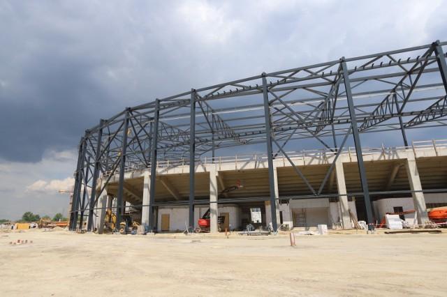 Budowa Zagłębiowskiego Parku Sportowego w Sosnowcu. Powstaje tu hala sportowa, stadion piłkarski i stadion zimowy  Zobacz kolejne zdjęcia. Przesuwaj zdjęcia w prawo - naciśnij strzałkę lub przycisk NASTĘPNE