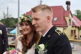 Ach, co to był za ślub w Tuchomiu. Strażacy przygotowali mega bramę weselną dla kolegi Wojciecha i jego wybranki Magdaleny