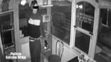 Gorzów: 21-latek włamała się do zabytkowej bimby i ukradł z niej towar. Został zatrzymany po pościgu