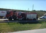 Pożar auta na autostradzie A1 koło Łodzi. Utrudnienia w stronę Katowic. ZDJĘCIA