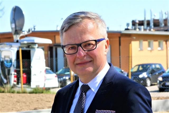 Arkadiusz Klimowicz, burmistrz Darłowa z absolutorium za 2018 rok. Uzyskał je jednogłośnie