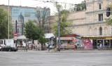 Park kulturowy ulicy Piotrkowskiej: antracytowe budki bez reklam