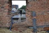 Remont murów obronnych w Żorach. Powstanie plenerowy amfiteatr z suchą fosą... [ZDJ. z budowy, wizualizacje, foto z muzeum]