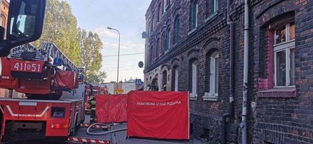 Pożar na ul. Orzegowskiej w Bytomiu. Dym wydobywał się z mieszkania