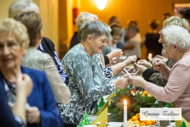 Na uroczystą wieczerzę dotarło wielu starszych i samotnych mieszkańców gminy Zelów