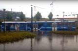 Gwałtowne burze  w Krakowie. Podtopiony tramwaj na rondzie Mogilskim [WIDEO INTERNAUTY]