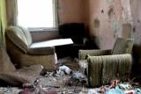Malbork. Ruina przy ul. Armii Krajowej 107. Zobacz zdjęcia z czasu, gdy jeszcze można było tam wejść