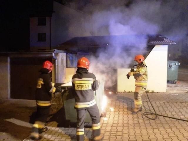 Sądeccy strażacy trzy razy wyjeżdżali do pożarów koszy na śmieci