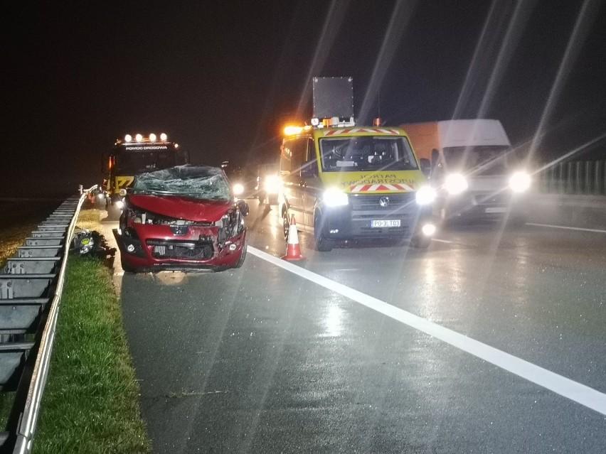 Poranny wypadek na autostradzie A2 w okolicach Wąsowa. Autostrada była zablokowana [ZDJĘCIA]