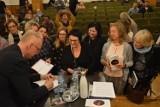 Tłum śmieje się wraz ze Szczygłem! Mocny finał spotkań autorskich podczas 50 Rybnickich Dni Literatury [ZDJĘCIA]