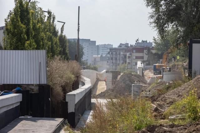 Trwa budowa linii tramwajowej z Krowodrzy Górki do Górki Narodowej. W rejonie Górki Narodowej powstaje tzw. wanna tramwajowa.
