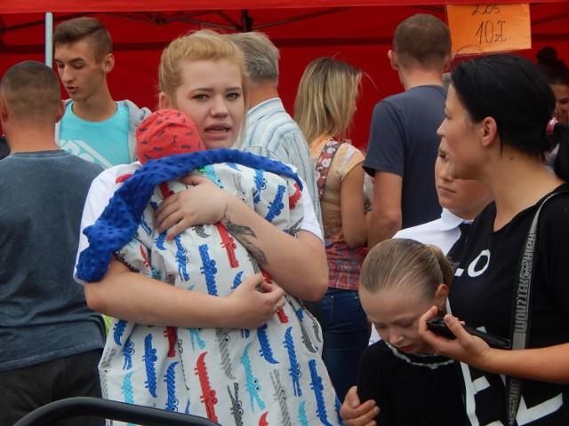 17 września w Pławiu odbył się festyn charytatywny na rzecz Tymka, który cierpi na chorobę Krabbego. Wielu ludzi, którzy usłyszeli jego smutną historię pojawiło się na pikniku, żeby wspomóc chłopca.