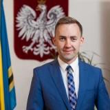 Roman Kużel, burmistrz Władysławowa ma koronawirusa. Samorządowiec część stycznia musi spędzić w izolacji, ale pracy nie przerywa