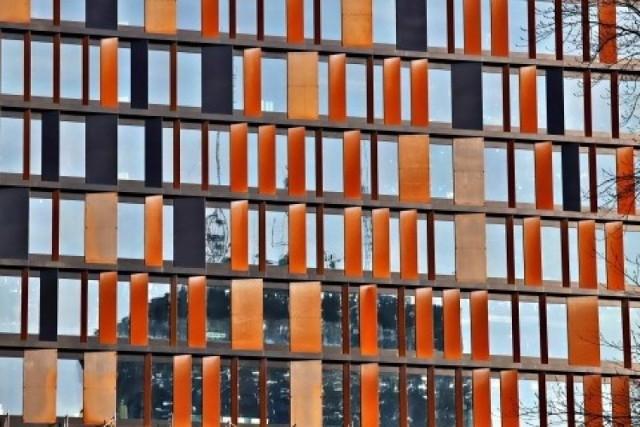 W tym roku otwarty zostanie pierwszy budynek Bramy Miasta, w którym będzie 27,8 tys. mkw. powierzchni biurowej. Biurowiec ma charakterystyczną elewację z kortenu.