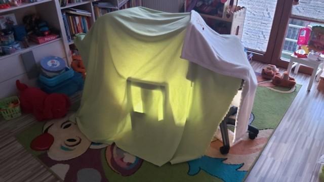 Dzieci, podobnie jak dorośli, również szukają swojej własnej przestrzeni. Taka baza to miejsce, do którego wstęp na tylko maluch.