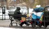 Policjanci ostrzegają przed mrozami. Apelują o pomoc osobom starszym i bezdomnym