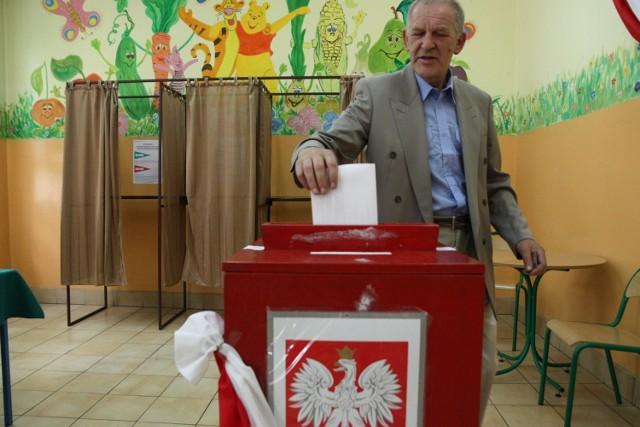 Chojnice. Obwodowa komisja wyborcza nr 5, ul. Dworcowa 6 w SP nr 3.