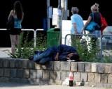 W Warszawie powstaje specjalna karta dla osób bezdomnych. Zapewni im m.in. prawo do udziału w wyborach i adresu korespondencyjnego
