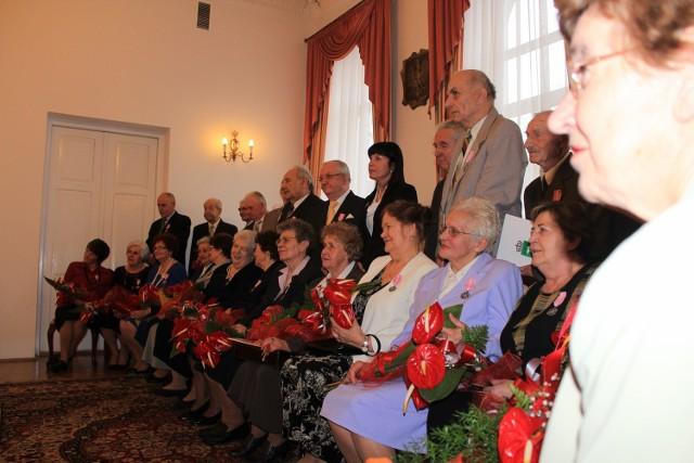 W sobotę o godzinie 11 w Urzędzie Stanu Cywilnego w Chełmie 18 par odebrało medale od prezydenta RP.