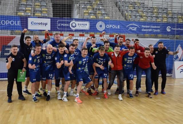 Piłkarze ręczni Gwardii Opole rozpoczną rywalizację w najbliższych rozgrywkach PGNiG Superligi na początku września, domowym meczem z Chrobrym Głogów. Zmagania zakończą z kolei w połowie maja.