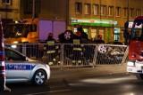 Wypadek na Grójeckiej. Samochód dachował na tory tramwajowe [ZDJĘCIA]