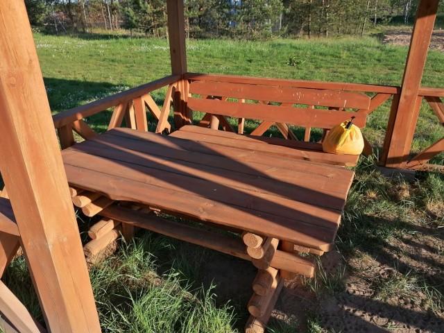 Takiego stołu i ławek szukają mieszkańcy Somin