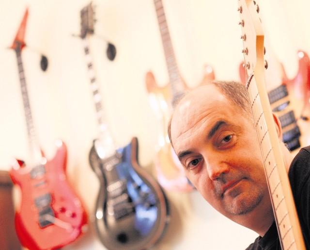 Paweł Silbert, prezydent Jaworzna i kolekcjoner gitar, w  4 lata zwiększył oszczędności z 12 tys. do 33 tys. zł. Ma akcje Tauronuza 140 tys. zł, kupił na kredyt 93-metrowe mieszkanie. W 2009 r. zarobił  178 tys. zł. Jeździ toyotą avensis z 2005 r., ma też nissana micrę z 2005 r.