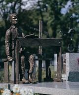 Ukradli krzyż i książkę z grobu Tadeusza Kantora