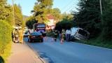 Łososina Górna. Bus rozbił się w przydrożnym rowie. Dwie osoby ranne